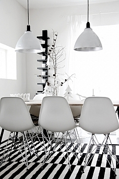 Zwart witte eetkamer