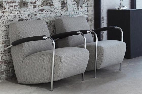 Slaapkamer Fauteuil : Het buizenframe van deze Leolux design fauteuil ...